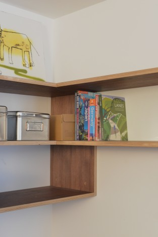workstation shelf detail